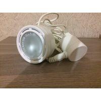 Лампа 12 V MAX 10W, диаметр 7 см. Не пользовалась.