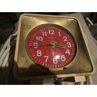 Часы будильник Янтарь СССР