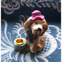 Собака с подсвечником