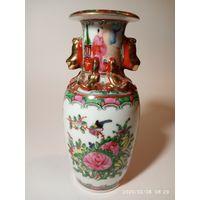 Шикарная антикварная ваза. Famille Rose . Стар. Китай.