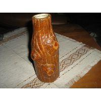 Небольшая вазочка для цветов в оригинальном ручном исполнении