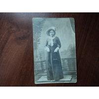 Старое фото,молодая женщина.начало 20-го века