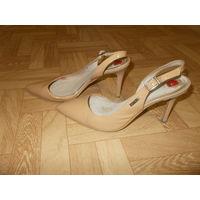 Туфли на каблуке р.36