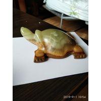 """Статуэтка"""" Черепаха """"из натурального камня Оникс привезена из Иордании."""