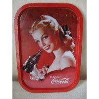Красивый коллекционный поднос Coca-Cola.