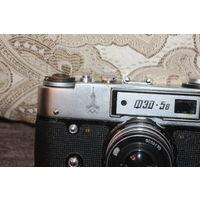 Фотоаппарат ФЭД-5В, времён СССР, с олимпийской символикой .