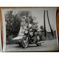 Агитационный мотоцикл. Фото 1960-х. 12х15 см