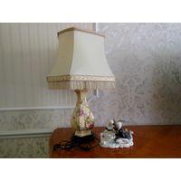 Лампа настольная. Франция, фарфор. Высота 70 см Состояние лампы идеальное.