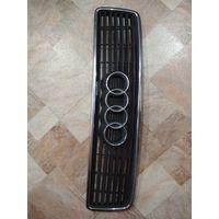 101518Щ Audi 100 C4 решетка радиатора