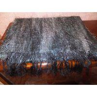 """Красивый шарф, достаточно тепленький, приятный на ошупь и мягенький из ткани типа """"травки"""", размер 1,50 на 35 см. Отличное состояние, только с одной стороны нужно пришить бахрому, просто прострочить н"""