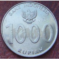 5476:  1000 рупий 2010 Индонезия