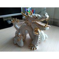 Статуэтка фарфоровый дракон