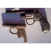 """Два очень старых копанных детских пистолета. """"Маузер 1923"""" и """"pistolet"""".Цена за два."""