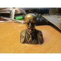 Ленин, бронза. 5 см.