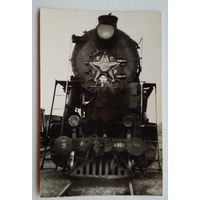 Фото на паровозе. 1930-е? 6х9 см