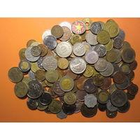 150 шт. всяких монет мира, без Украины, России, СССР с 1 руб
