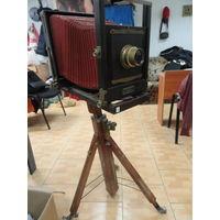 Фотоаппарат фкд 18-24 с красным мехом и объективом EMIL BUSH