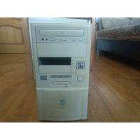 Ретро ПК - старый персональный компьютер, системный блок