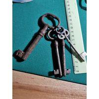 Связка старых ключей