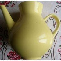 Чайник Желтый, фарфор, б-у ; 6 руб