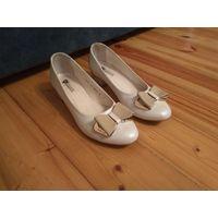 Туфли Польша натуральная кожа (свадебные либо на каждый день)