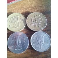 Монеты..77