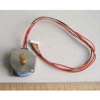 Шаговый электродвигатель SMR40 24 Вольт 30 Ом