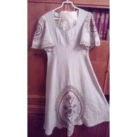 Платье льняное с вологодской вышивкой