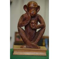 Статуэтка   Мыслитель   ( резьба . дерево )   32 см