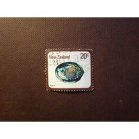 Новая Зеландия  1978 г.Морская ракушка Пауа.