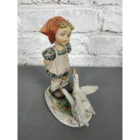 Статуэтка девушка с гусями фарфоровая статуэтка Capodimonte Италия Бисквит Роспись