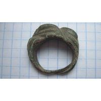 Ложновитое кольцо-перстень.