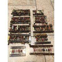 Радиодетали на монтажных стойках. МЛТ, СГМ, МБМ, Д223.