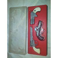 Набор старинных пистолетов СССР