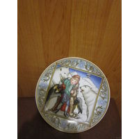 Тарелка коллекционная. Villeroy&Boch .  Пингвин . Белый медведь. Германия