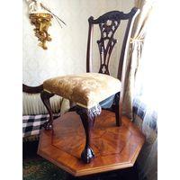 Мебель.Два шикарных резных  стула. Орех.