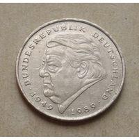 2 марки 1990 года ( F ).