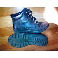 Тёплые ботинки Марко на осень, из натуральной кожи, внутри мех, 36 размер, как новые, темно коричневый цвет.