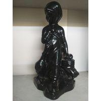 Статуэтка Девочка  с гусями