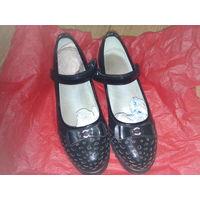 Туфли для девочек школьные