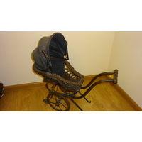 Старинная колясочка для кукол,интерьера Германия,длина 60см.выс.55см.шир.28см.