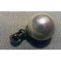 Кулон Большая жемчужина в серебряной оправе