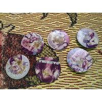 Сборный лот значков из 90-х, с изображением зарубежных певцов. на металле (не пластик)