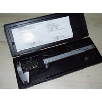 Штангенциркуль микрометр цифровой 150мм в кейсе