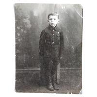2 фото мальчика в форме. 1930-е. 11х14 см. 9х11.5 см