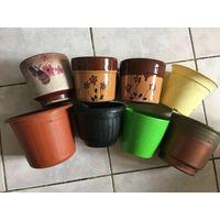 Горшки цветочные 8 Шт вместе ( 3 Шт глиняные, 5 Шт плотный пластик)