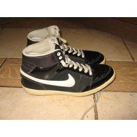 Кожаные кроссовки Nike 37.5 р-р