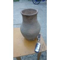 Горшок глиняный старый
