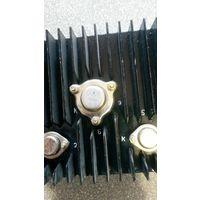 Радиатор охлаждения с транзисторами