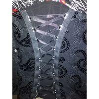 Блузка с корсетам(ложным)в идеальном состоянии.смотрите все лоты...